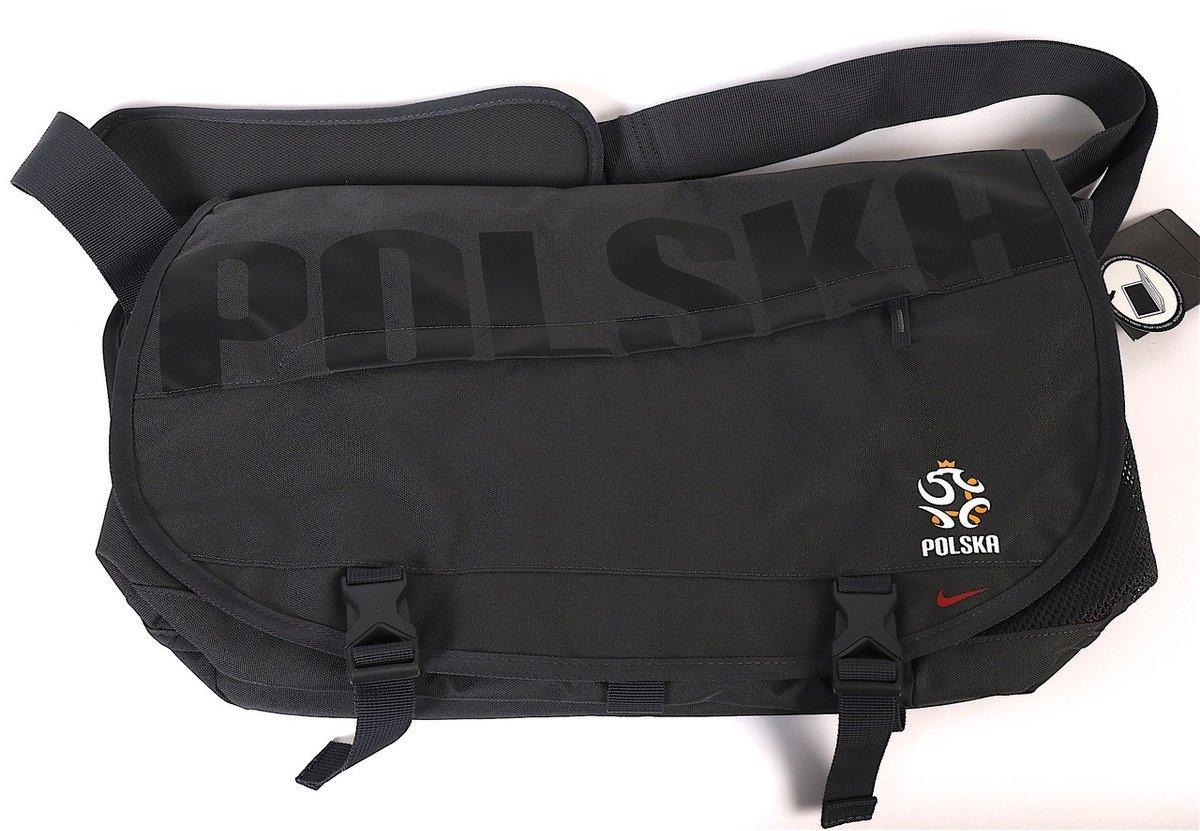 89bf48047bf2e Torba Nike na ramię reprezentacji Polski (laptop) Kliknij