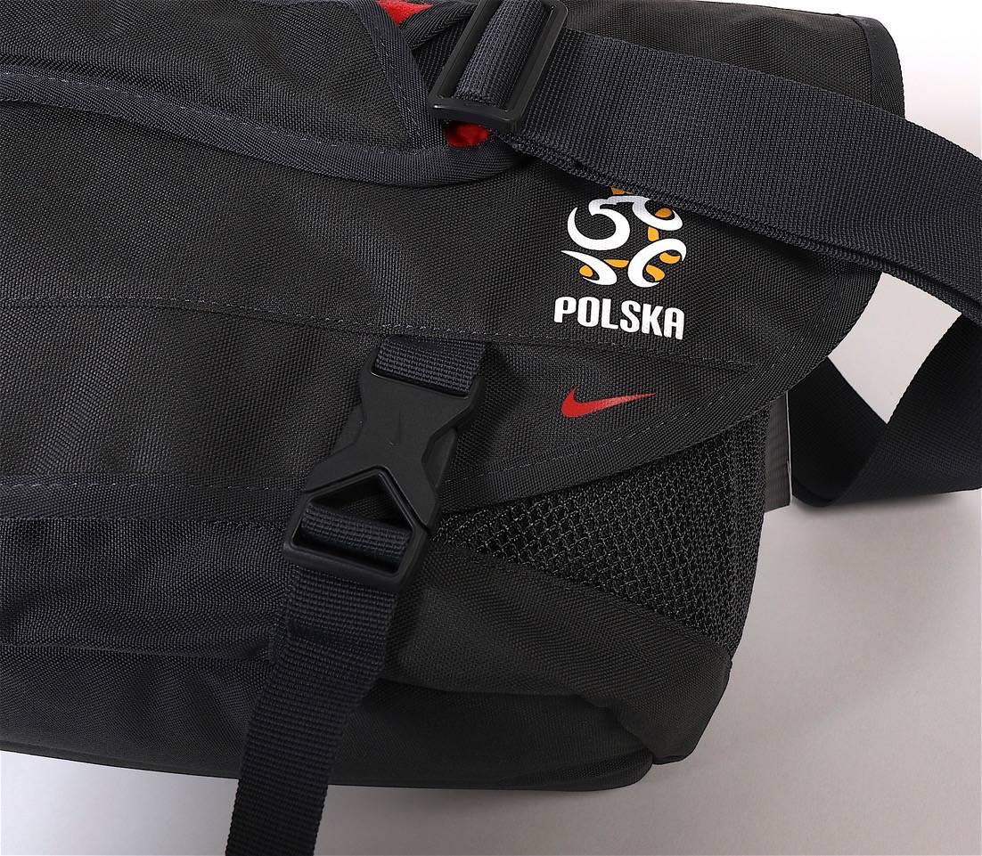 7df4acb1e2511 ... Torba Nike na ramię reprezentacji Polski (laptop) Kliknij